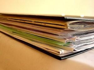 Документы для дарственной на квартиру: какие справки нужно собрать для оформления?