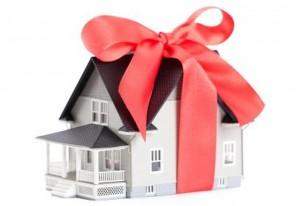 Как подарить квартиру родственнику?