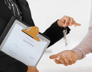 Документы на дарение квартиры родственнику: что нужно для оформления договора?