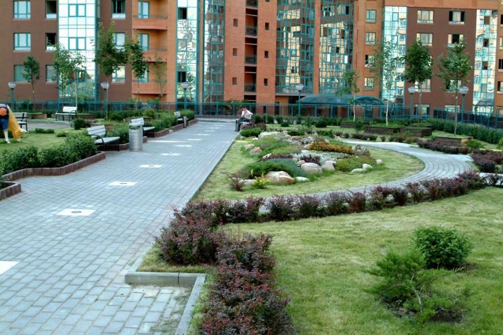 Ландшафтный дизайн многоэтажного дома